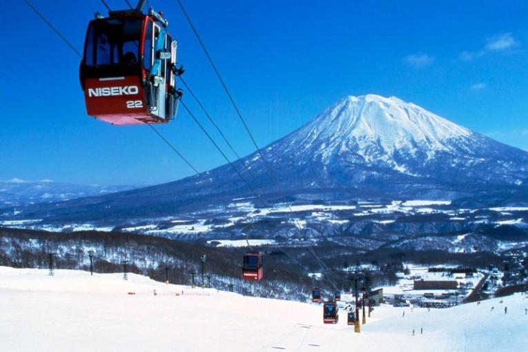38 אתרי נופש לאוהבי סקי והסנובורד ביפן
