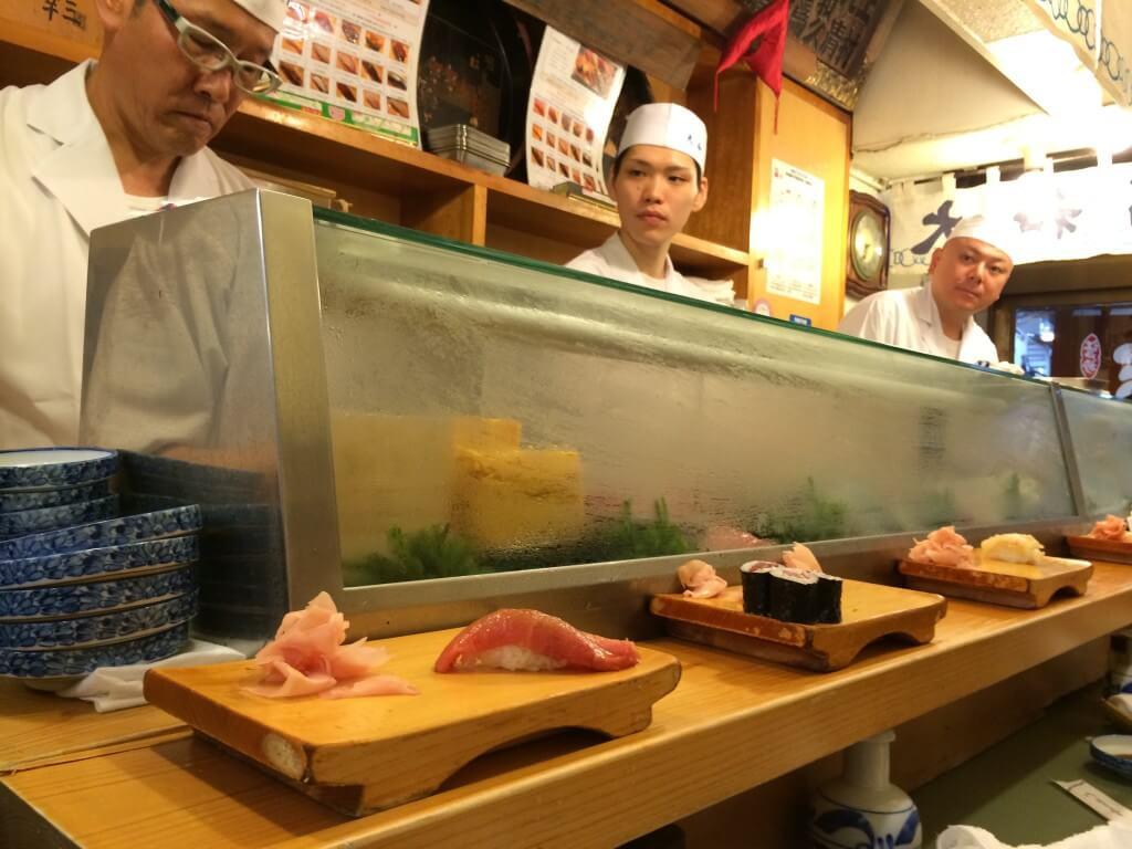 סושי בשוק הדגים