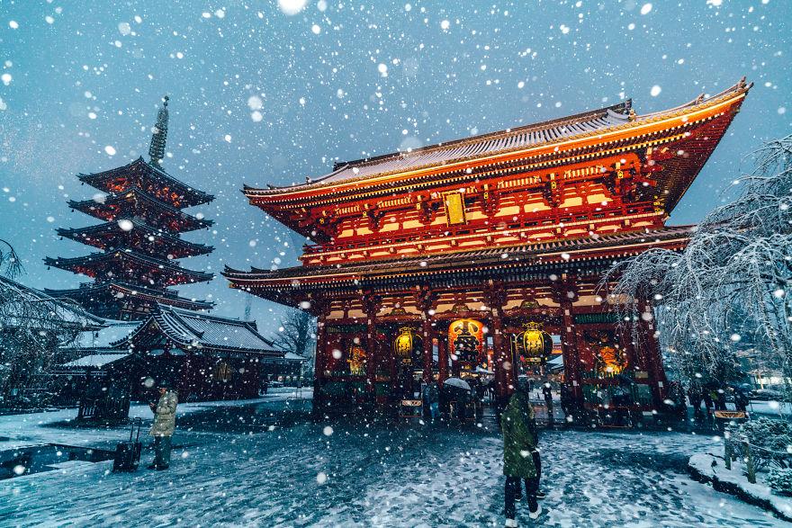 כאשר הצלם נתקע בטוקיו בשיא השלג הכבד שירד בחורף