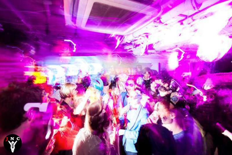 מועדונים באוסקה חיי הלילה של אוסקה