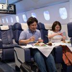 מסעדה בטוקיו מאפשרת לכם (במציאות מדומה) טיסה במחלקה ראשונה !