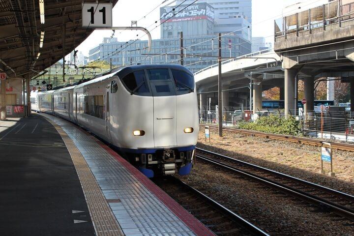 רכבת באוסאקה באוסקה